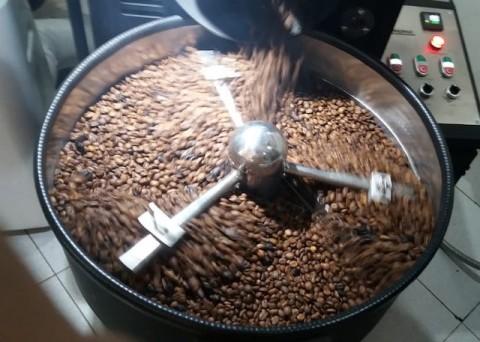 Wanginya Aroma Roasting di Thesis Coffee