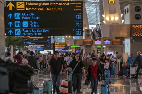 Penumpang Pesawat Bandara Soekarno Hatta Menurun