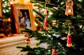 Intip Dekorasi Pohon Natal Selebritas Hollywood
