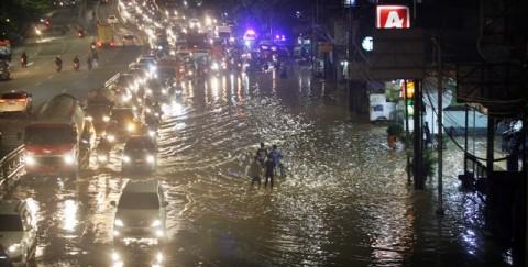 Hujan Deras, Kali Ciliwung Siaga 3
