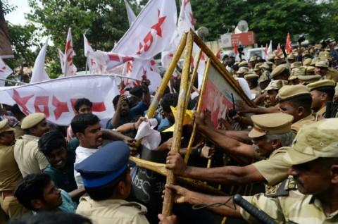 24 Orang Tewas dalam Bentrok UU Kewarganegaraan India