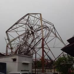 Menara Pemancar RRI di Radio Dalam Roboh