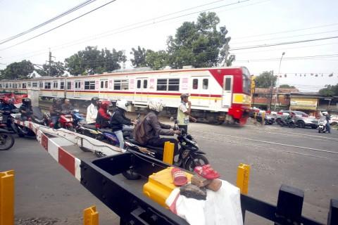 Masyarakat Diminta Tak Menerobos Palang Pintu Kereta