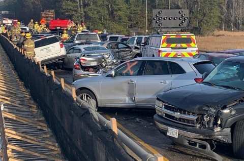 Tabrakan 69 Mobil di Virginia Lukai Puluhan Orang