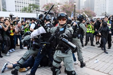 Polisi Hong Kong Bubarkan Aksi Solidaritas Uighur