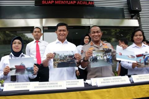 Tiga WNI Bongkar dan Jual Kapal Malaysia