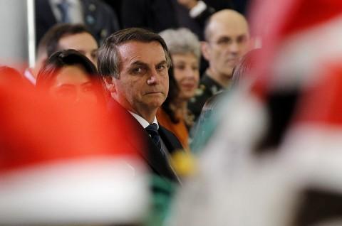 Terjatuh di Istana, Presiden Brasil Dilarikan ke Rumah Sakit