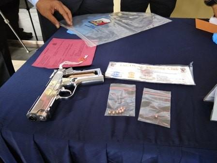 Penembak Sopir Taksi Beli Senjata di Toko Online