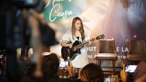 Amanda Caesa, Putri Komedian Parto yang Memilih Jadi Musisi