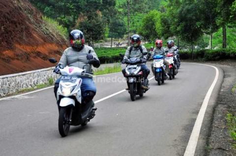 Trik Berkendara Motor yang Aman di Liburan Akhir Tahun