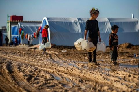 Ribuan Warga Suriah Melarikan Diri Usai Diserang Assad