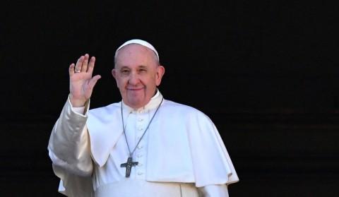 Paus Bela Imigran dalam Pesan Natal