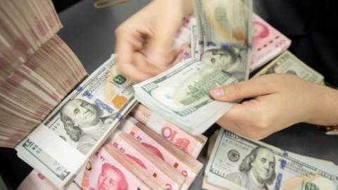 Yuan Hantam Dolar AS