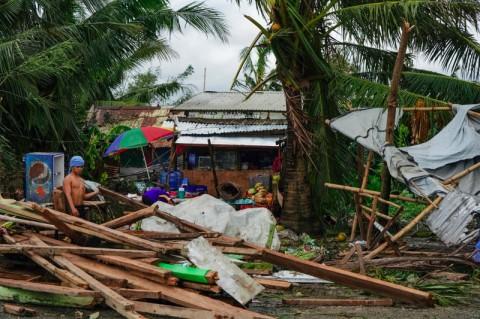 Topan Phanfone Tewaskan 16 warga di Filipina saat Natal