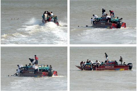 Dihantam Gelombang Tinggi, Tiga Penumpang Kapal Terjatuh ke Laut