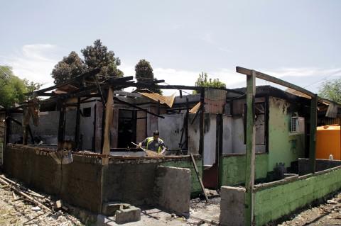 Disambar Petir, 6 Rumah Anggota TNI di Kupang Terbakar