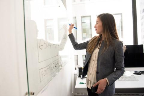Perempuan Pekerja Cenderung Menua Lebih Lambat