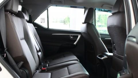 Usai Berlibur, Jangan Biarkan Kabin Mobil Kotor