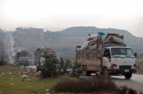 Idlib Terus Digempur, 235 Ribu Warga Melarikan Diri