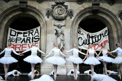 Prancis Tawarkan Konsesi untuk Penari Paris Opera