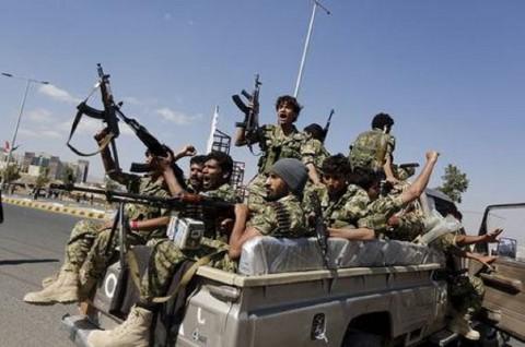 Serangan Misil Hantam Parade Militer di Yaman