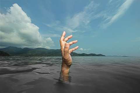Dua Wisatawan Hilang Terseret Arus Coban Cinde