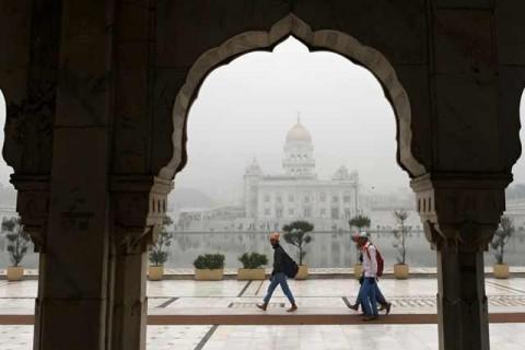 500 Penerbangan Dibatalkan Akibat Kabut Tebal di India