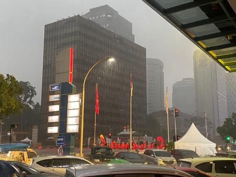 Hujan Guyur Ibu Kota Jelang Malam Pergantian Tahun