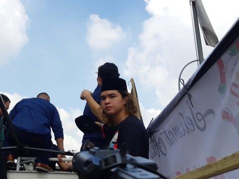 Dul Lebih Suka Ahmad Dhani Kembali Bermusik