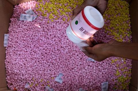 BPOM Makassar Musnahkan Obat Hingga Kosmetik Ilegal Senilai Rp1,4 M
