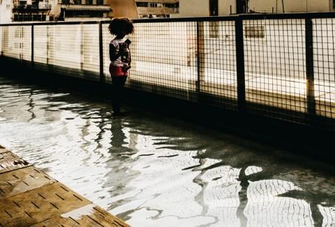 Di Balik Air Banjir Berwarna Kecoklatan