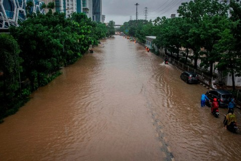 Death Toll from Greater Jakarta Floods Rises to 16