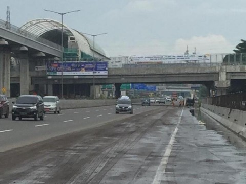 Tol Jakarta-Cikampek Banjir, Jasa Marga Berlakukan Contra Flow