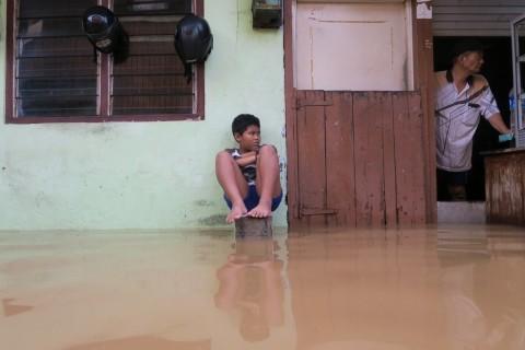 Duka Cita Ahok untuk Korban Banjir