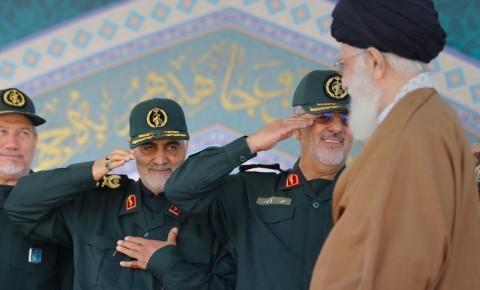 Khamenei: Ganjaran Keras untuk Pembunuh Jenderal Soleimani