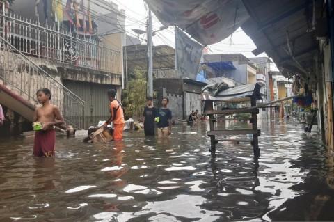 Kawasan Teluk Gong Masih Terendam Banjir