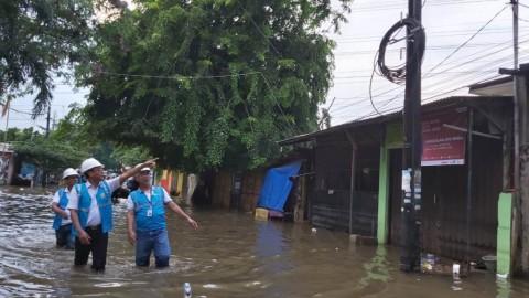PLN Inspeksi Gardu Tergenang Banjir