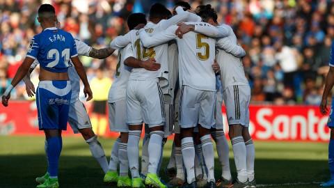 Real Madrid Sementara Geser Barcelona dari Puncak Klasemen