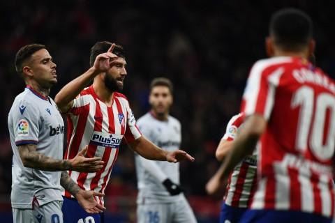 Kalahkan Levante, Atletico ke Tiga Besar