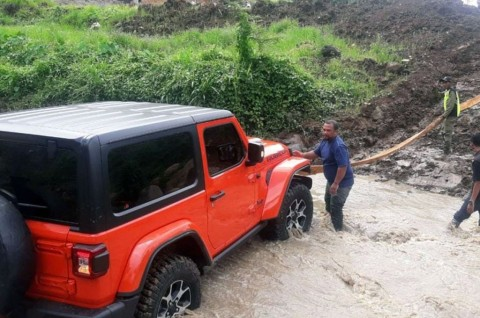 Analisa Jeep Wrangler Rubicon Bupati Karanganyar Gagal Seberangi Sungai
