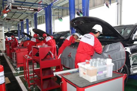 Layanan Gawat Darurat 24 Jam Mitsubishi untuk Korban Banjir