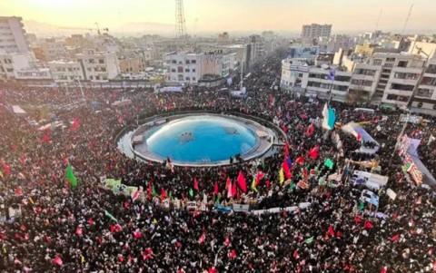 Ribuan Iran Warga Iringi Prosesi Pemakaman Jenderal Soleimani