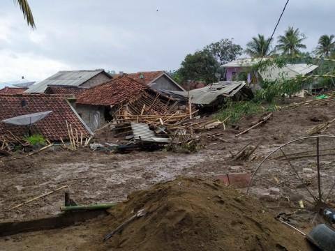 Tiga Korban Longsor di Bogor Belum Ditemukan