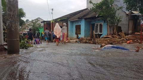 Tanggul Jebol, Warga Citayam Masih Dihantui Banjir