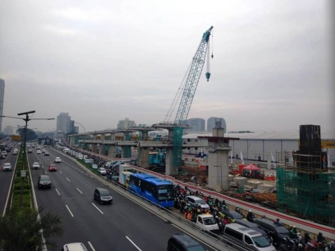 Jembatan Lengkung LRT Tunggu Uji Beban
