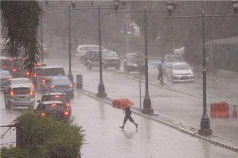 BMKG: Jakarta Akan Diguyur Hujan Seharian