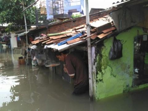 Tinggi Tanggul Sungai di Bekasi Ditambah