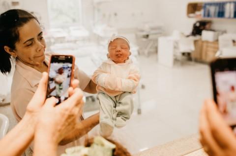 Fitur Fisik Bayi Baru Lahir dari Kepala Hingga Kaki