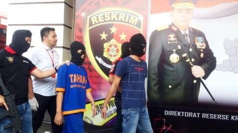 Dua Pemuda Ditangkap Gara-gara Pamer Senjata Api