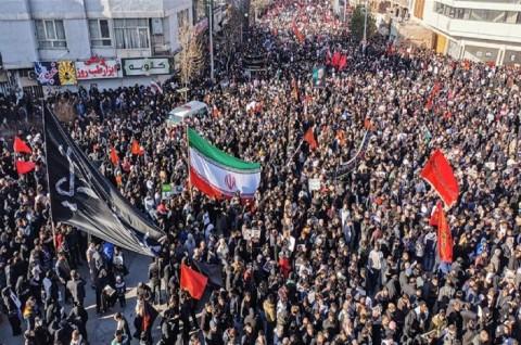 30 Orang Tewas Terinjak-injak di Pemakaman Soleimani